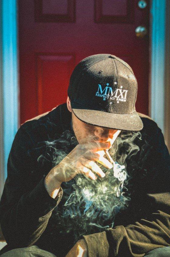 jak nesmrdět kouřem, jak se zbavit zápachu marihuany