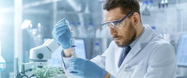 CBD kryštály v laboratóriu