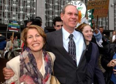 manželka Jane, Ed a dcera Justin
