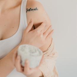 CBD květy & pečující kosmetika: Tělový peeling