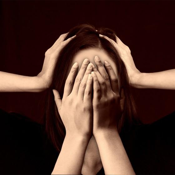 Ženy, menopauze se nevyhnete (Konopí však pomůže)