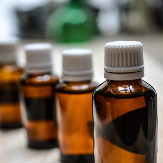 CBD Extrakty a kapky - použití, aplikace, léčba
