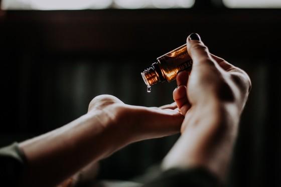 Alternativní léčba rakoviny kůže konopím; CBD mastí (Studie 2019)